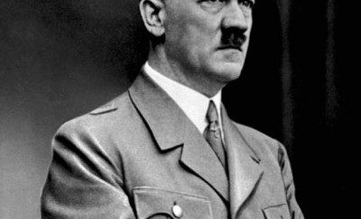 187-Bundesarchiv_Bild_183-S33882,_Adolf_Hitler_retouched
