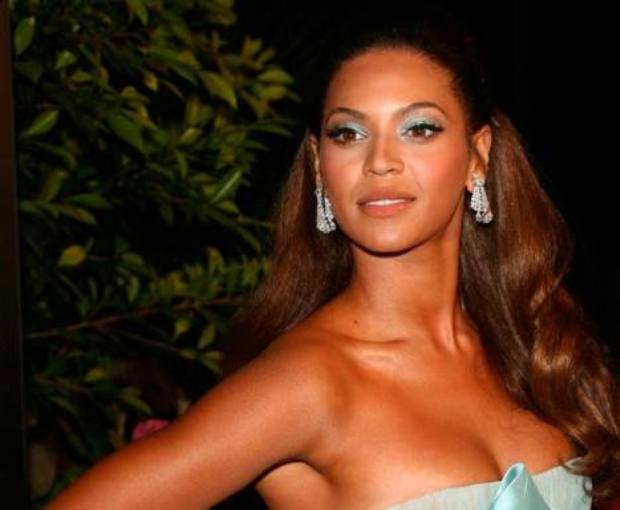 407-bigstock-Beyonce-Knowles-at-the-premier-58462577