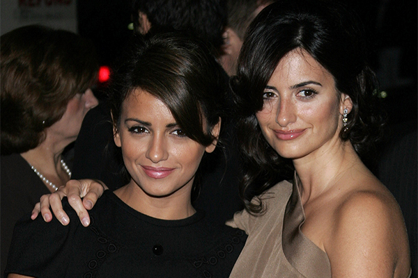 bigstock-Monica-Cruz-and-Penelope-Cruz--138231116